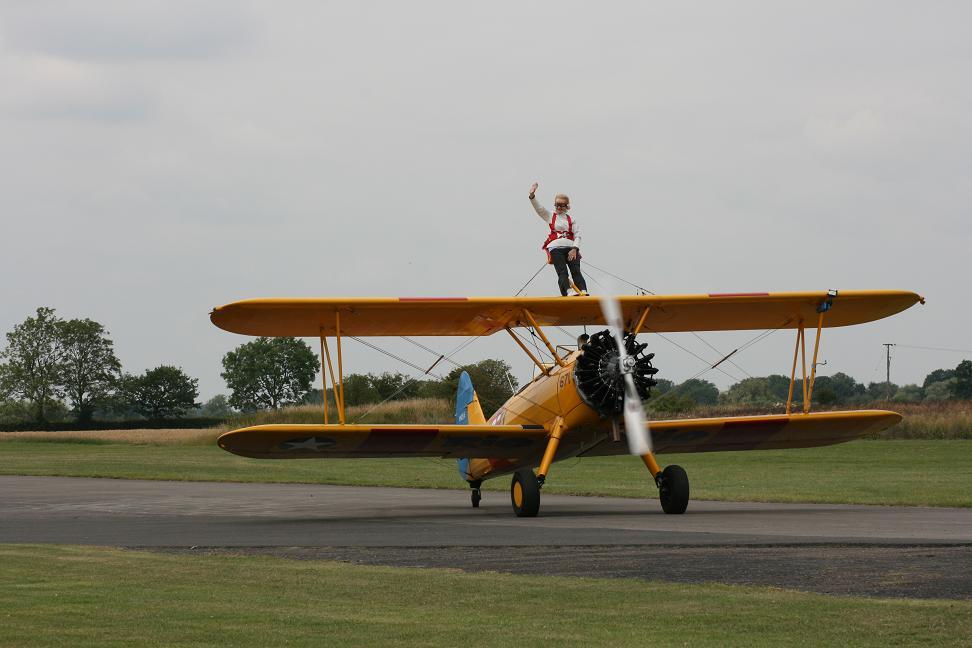 wingwalk-30th-july-2011-105-new-size