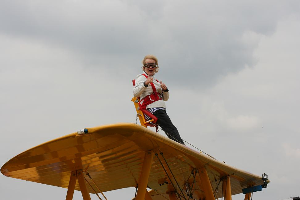 wingwalk-30th-july-2011-109-new-size